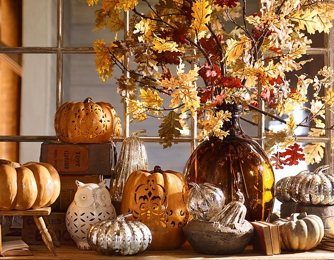 Decorating tips at pottery barn eatshopgo for Fall decorations for the home